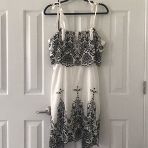 Parker white and black dress